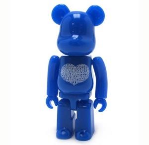 Bearbrickloveheart1002